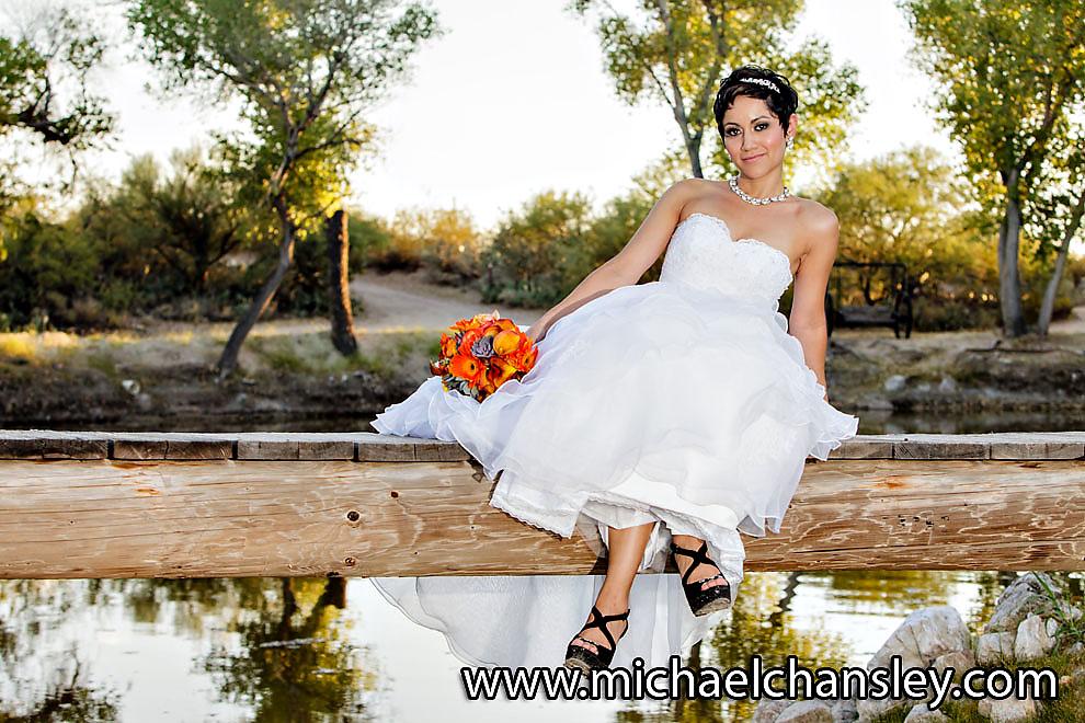 Tucson wedding photographers vanessa clint at tanque for Tucson wedding photographers
